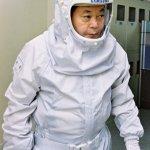 이건희 삼성 회장이 지난 2004년 화성 반도체 공장을 방문하는 모습. 삼성전자 제공